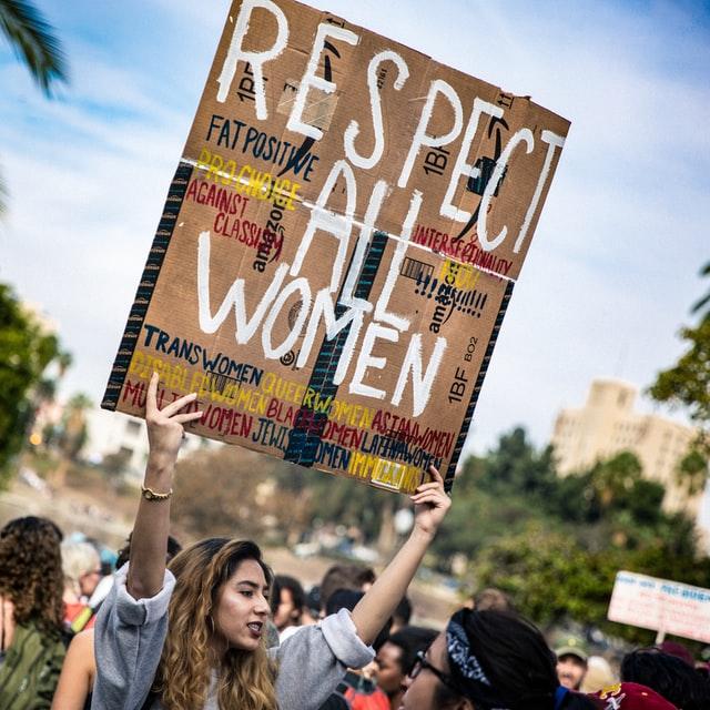 El feminismo tiene muchos objetivos y ambiciones, por las que lucha el movimiento feminista