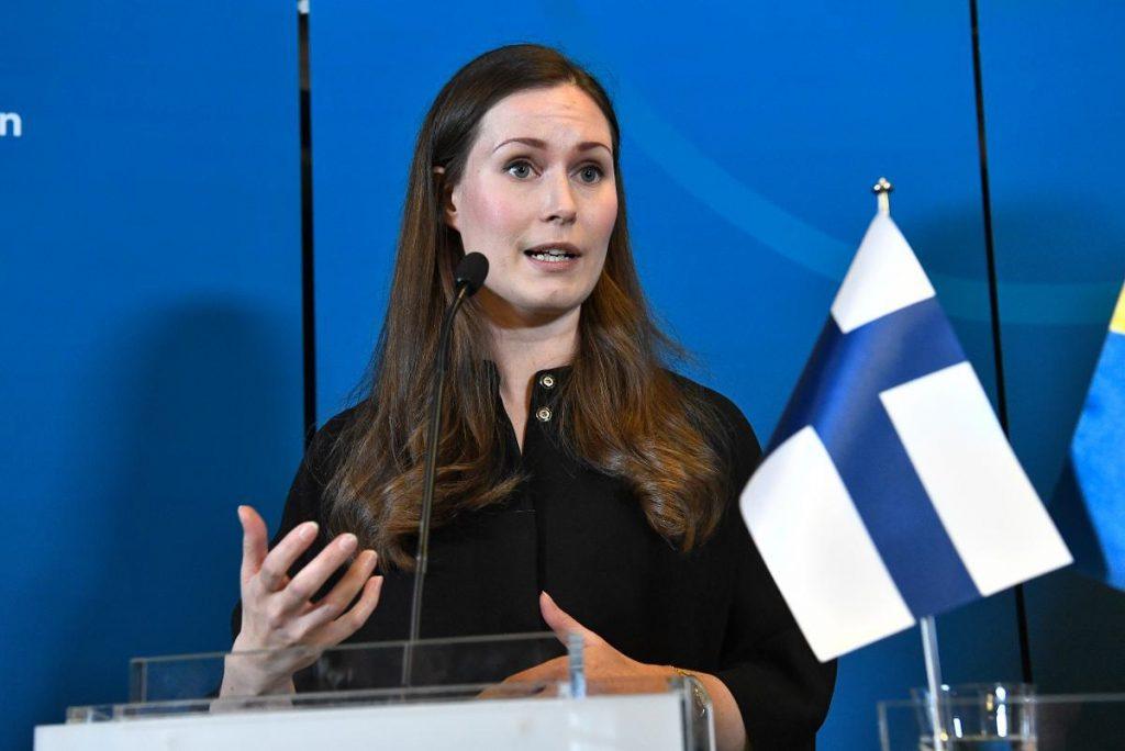 Sanna Marin primera ministra finlandia toma medidas contra covid-19